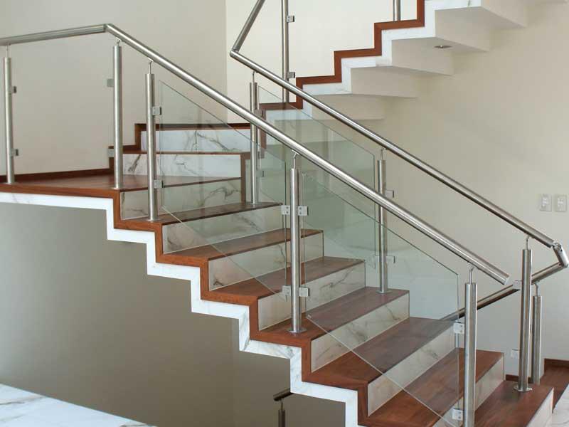 Barandales de escalera construinox barandales de - Barandales modernos para escaleras ...